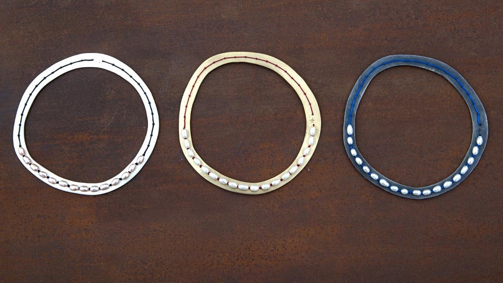 stitched-pearls-round